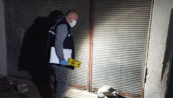 İzmir'de sokakta açılan ateş sonucu 1'i ağır 2 çocuk yaralandı - Sputnik Türkiye