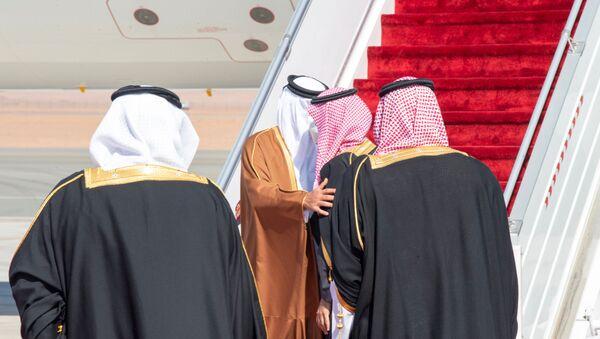 SuudiArabistanVeliaht Prensi Muhammed bin Selman - Katar Emiri Şeyh Temim bin Hamed Al Sani - Sputnik Türkiye