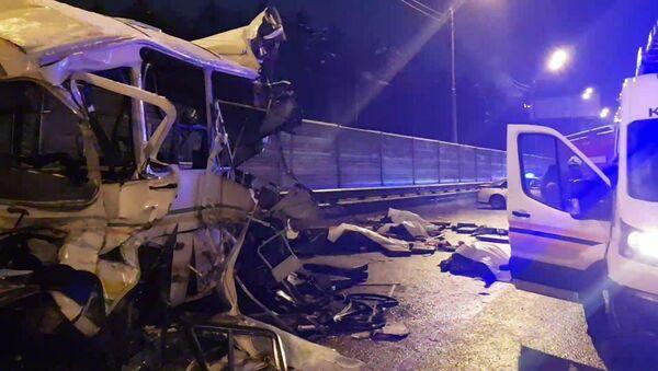 Rusya'da bir kamyon dört askeri otobüse çarptı: 4 kişi öldü, 41 kişi yaralandı - Sputnik Türkiye