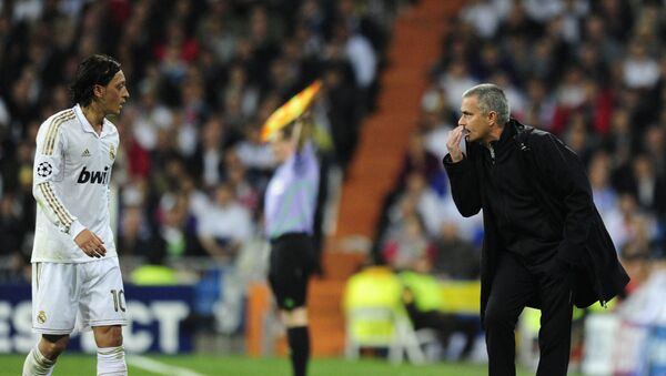 Mesut Özil, Jose Mourinho, Real Madrid, 2012 - Sputnik Türkiye