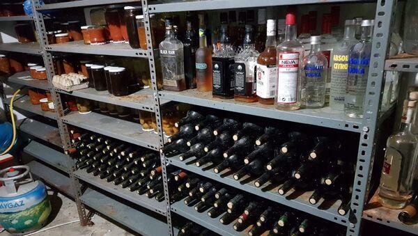 Tekirdağ'da 550 litre sahte içki ele geçirildi - Sputnik Türkiye