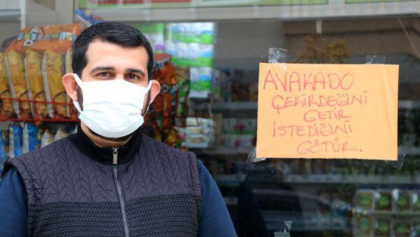 Alanya'da avokado çekirdeği ile alışveriş - Sputnik Türkiye