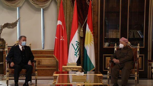 Hulusi Akar- eski IKBY Başkanı ve KDP lideri Mesud Barzani - Sputnik Türkiye