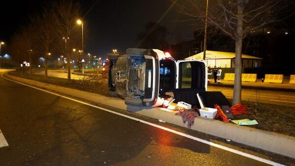 Kaza yapan alkollü sürücüden basın mensuplarına: Siz kimsiniz ben, sizi görmüyorum - Sputnik Türkiye