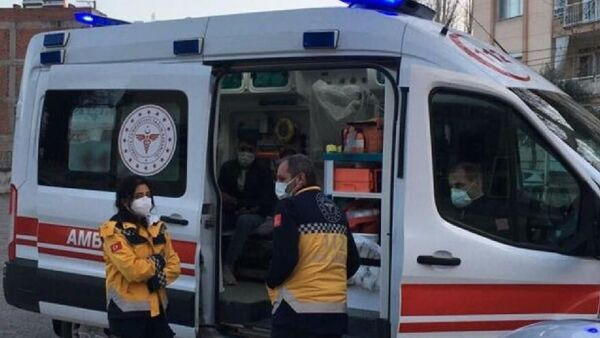 Karantinada olması gereken kişi yankesicilik yaparken yakalandı - Sputnik Türkiye