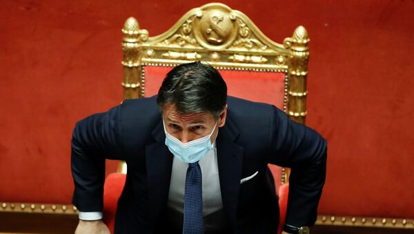 Giuseppe Conte, Senato'daki güvenoylamasında - Sputnik Türkiye
