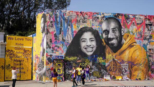 Amerikan Basketbol Ligi'nde (NBA) 20 yıl boyunca giydiği Los Angeles Lakers formasıyla sayısız başarı ve rekora imza atan Kobe Bryant'ın, ölümünün üstünden bir yıl geçti. - Sputnik Türkiye