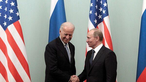 Rusya Devlet Başkanı Vladimir Putin ve ABD Başkanı Joe Biden - Sputnik Türkiye