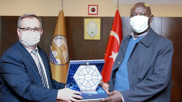 Yoboide Djeraki - Prof. Dr. Erhan Tabakoğlu - Sputnik Türkiye