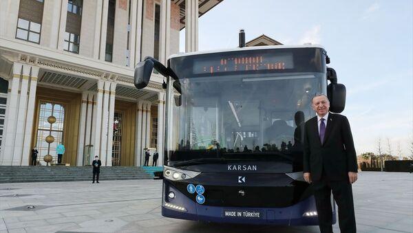 Recep Tayyip Erdoğan - sürücüsüz otobüs - Sputnik Türkiye