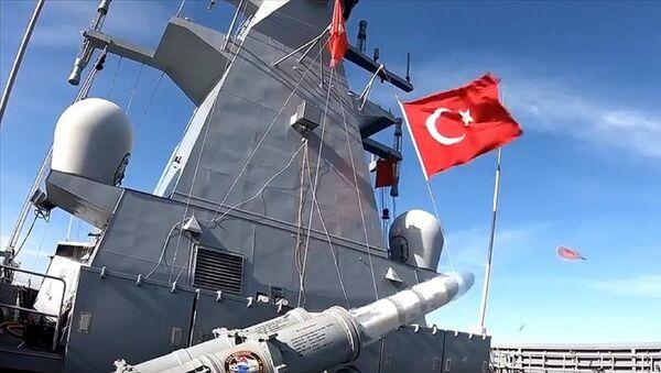 Taarruz güdümlü Atmaca mermisinin harp başlıklı ilk atışı - Sputnik Türkiye