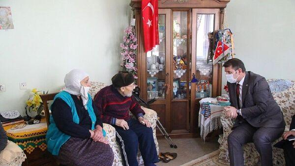 Feride-Feyzullah Muntazam çifti - Sputnik Türkiye