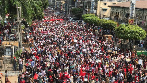 Myanmar'da protestolar - Sputnik Türkiye