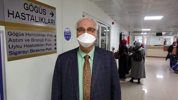 Prof. Dr. Tevfik Özlü - Sputnik Türkiye