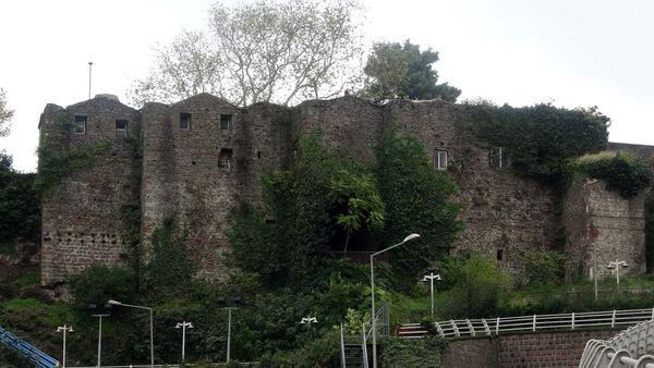 Güzelhisar kalesi - Sputnik Türkiye