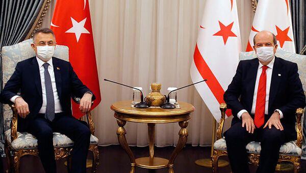 Cumhurbaşkanı Yardımcısı Oktay ve Kuzey Kıbrıs Cumhurbaşkanı Tatar'dan ortak açıklama - Sputnik Türkiye