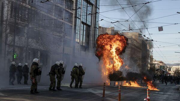Yunanistan'da üniversite öğrencilerinin protesto eylemi - Sputnik Türkiye