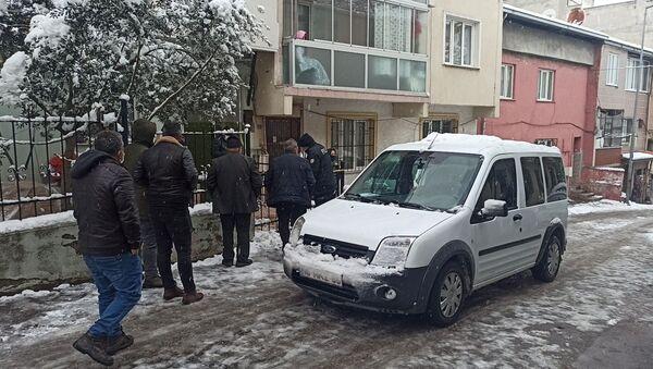 Polis, bina önü - Sputnik Türkiye