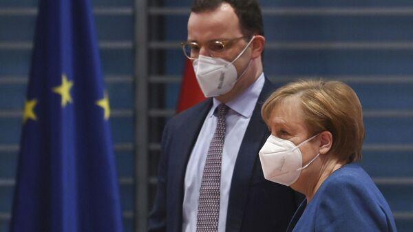 Jens Spahn , Angela Merkel - Sputnik Türkiye