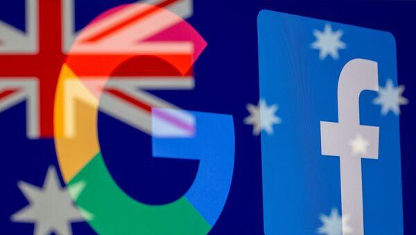 Avustralya bayrağı önünde Google ve Facebook logoları - Sputnik Türkiye