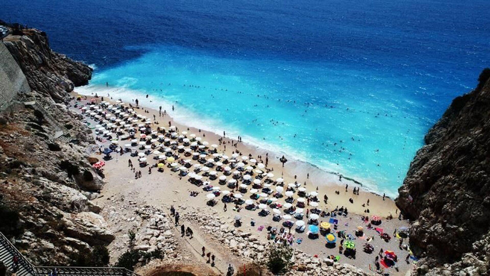 Antalya'nın Kaş ilçesindeki dünyaca ünlü Kaputaş Plajı - Sputnik Türkiye, 1920, 29.07.2021