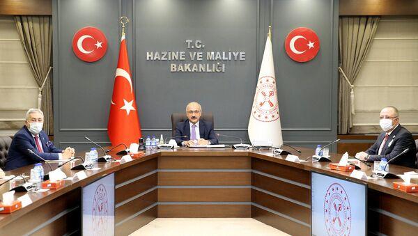 Hazine ve Maliye Bakanı Lütfi Elvan TESK Yönetim Kurulu üyelerini kabul etti - Sputnik Türkiye