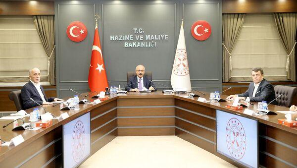 Hazine ve Maliye Bakanı Lütfi Elvan, Türk-İş Genel Başkanı Ergün Atalayve beraberindeki heyeti kabul etti. - Sputnik Türkiye