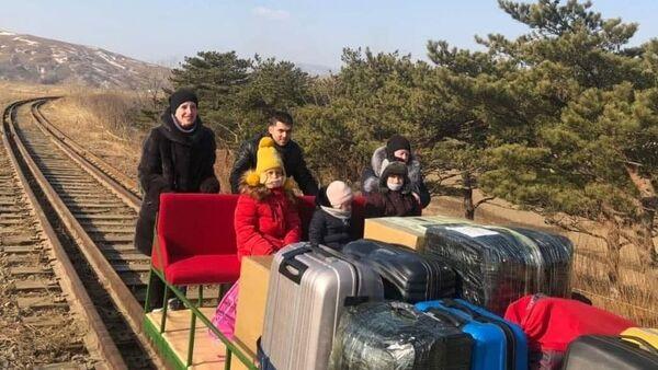 Kuzey Kore- Rus diplomatlar  - Sputnik Türkiye