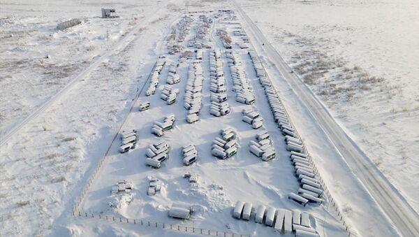 Bölgede yaşanan aşırı soğuklar, eksi 50 dereceye kadar düşen hava sıcaklığı ve işsizlik göçü tetikledi. - Sputnik Türkiye
