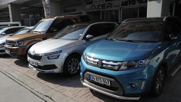 Sıfır araç yeni rekor kırdı, 2. el pazarı da umutlandı - Sputnik Türkiye
