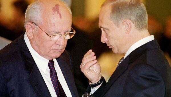 Putin ve Gorbaçov - Sputnik Türkiye
