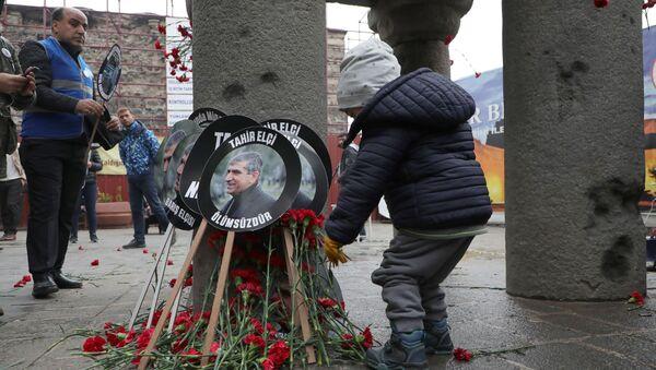 Tahir Elçi davasında sanık polislerin tutuklanması talebi reddedildi - Sputnik Türkiye