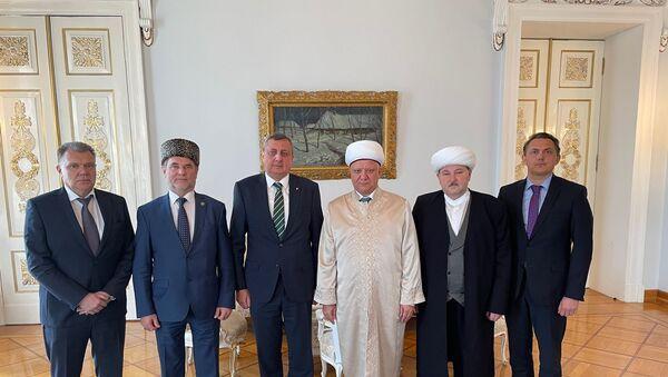 Rusya'nın İstanbul Başkonsolosu Buravov, Rusya Müslümanları Dini Meclisi heyeti ile görüştü - Sputnik Türkiye