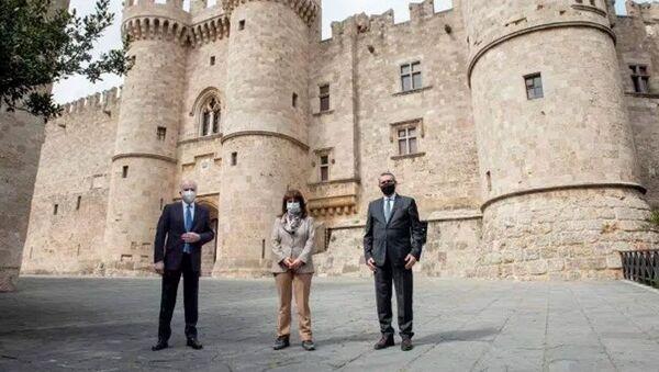 Yunanistan Cumhurbaşkanı Katerina Sakellaropulu Rodos Adası'nda - Sputnik Türkiye