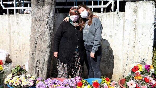 Çiçekçi kadının kızının, Oxford'da eğitim görmediği ortaya çıktı  - Sputnik Türkiye