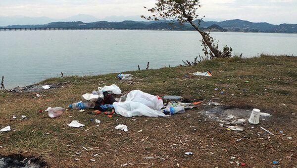 Tatlı sularda mikroplastik uyarısı: İleride içme suyuna dahi karışabilir - Sputnik Türkiye