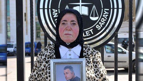 25 bıçak darbesi alıp 5. kattan düşen kişi için Adli Tıp'tan 'intihar' raporu - Sputnik Türkiye