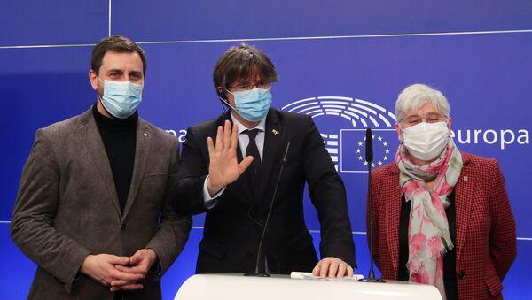 Avrupa Parlamentosu, üç Katalan milletvekilinin dokunulmazlığını kaldırıldı - Sputnik Türkiye