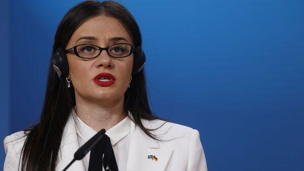 Kosova Dışişleri Bakanı Stublla, 'oy satın alma' iddiaları sonrasında istifa etti - Sputnik Türkiye