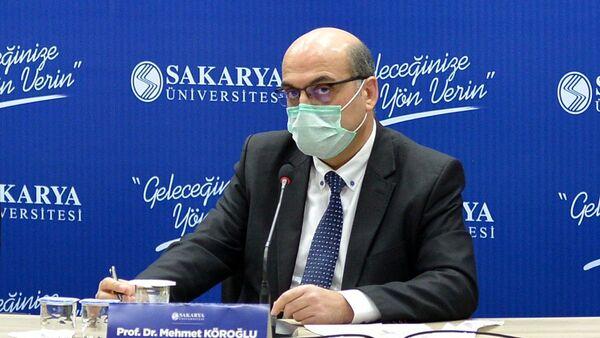SakaryaÜniversitesi (SAÜ) Tıp Fakültesi öğretim üyesi Prof. Dr. Mehmet Köroğlu, koronavirüsün bölgesel mutasyonlarla etkisini artırabileceğine işaret ederek,Sakarya'ya özgü mutasyonların ise kaçınılmaz olduğunu söyledi. - Sputnik Türkiye
