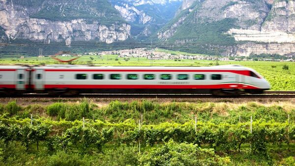 İtalya - tren - Sputnik Türkiye