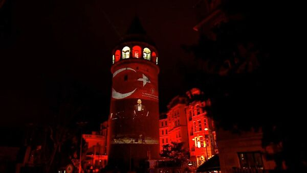 Galata Kulesi'nde İstiklal Marşı'nın 100. yılı gösterisi - Sputnik Türkiye