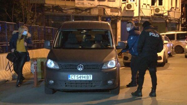 Kendilerini polis olarak tanıtıp 4500 dolar çaldılar - Sputnik Türkiye