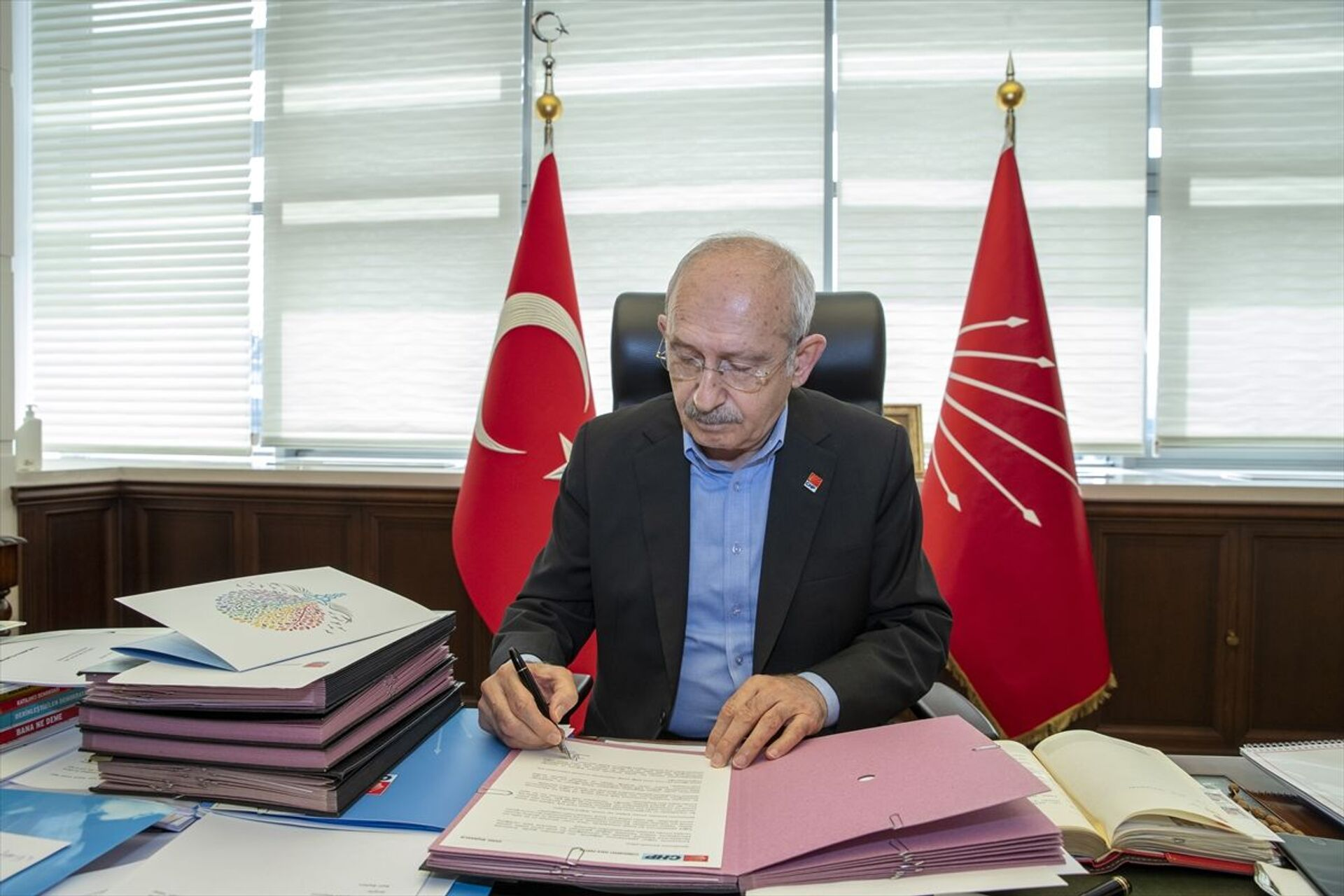 Kılıçdaroğlu: Sağlık emekçilerimize söz veriyorum, çalışma koşullarınızı iyileştireceğiz - Sputnik Türkiye, 1920, 14.03.2021