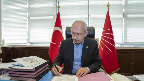 CHP lideri Kılıçdaroğlu, hayatını kaybeden sağlık emekçilerinin ailelerine mektup gönderdi. - Sputnik Türkiye