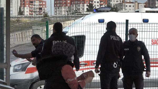 Beylikdüzü'nde HES kodu olmadığı için metrobüse alınmayan alkollü saldırganlar ortalığı ayağa kaldırdı - Sputnik Türkiye