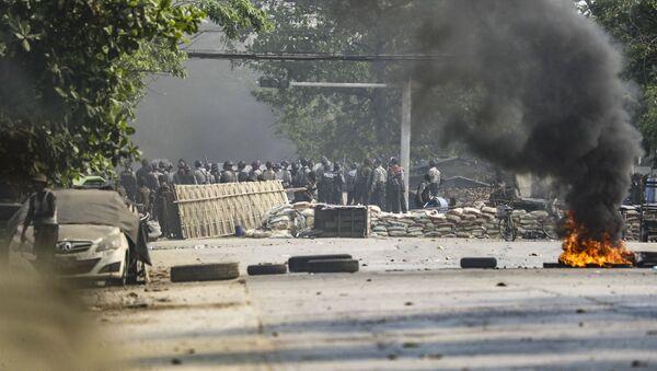 Myanmar'daki darbe karşıtı gösterilerde ölü sayısı 38'e yükseldi - Sputnik Türkiye