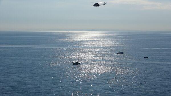 Gökçeada'da alabora olan teknede olan kişileri arama çalışmaları, Çanakkale - Sputnik Türkiye