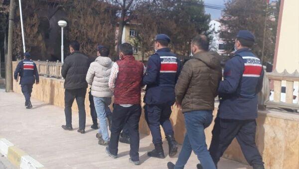 Karabük'te demir yolu rayı çaldıkları iddia edilen 4 şüpheli tutuklandı - Sputnik Türkiye