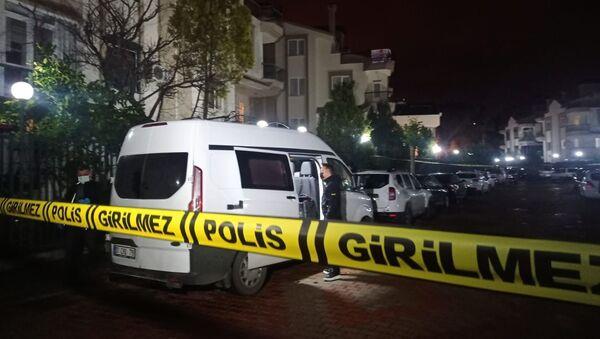 Antalya'da bir evde 4 kişinin cansız bedeni bulundu - Sputnik Türkiye